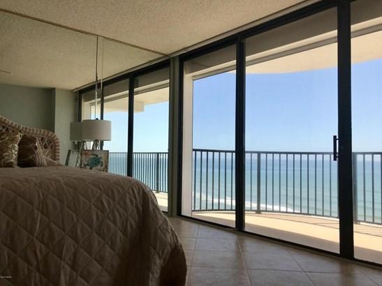 Condominium, Modern - Daytona Beach Shores, FL (photo 4)