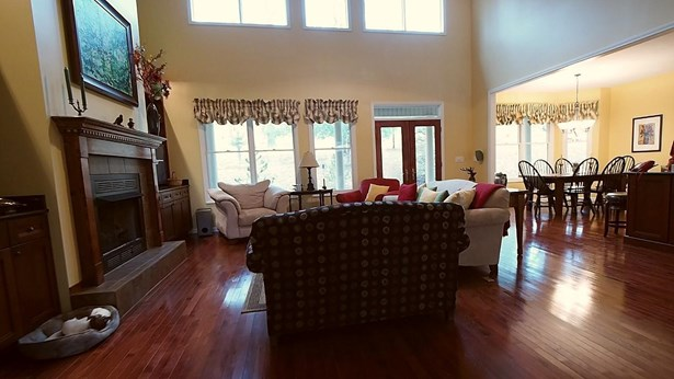 Traditional, 2 Story Basement,Residential - Lafollette, TN (photo 5)