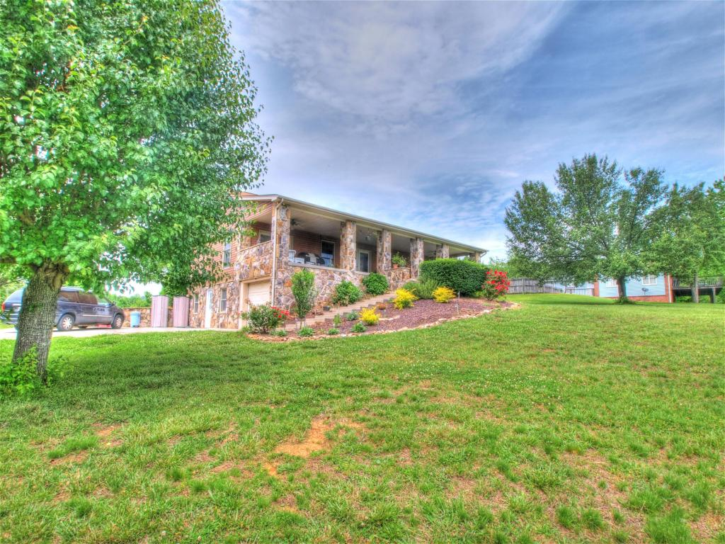 Basement Ranch,Residential, Traditional - Rockwood, TN (photo 3)