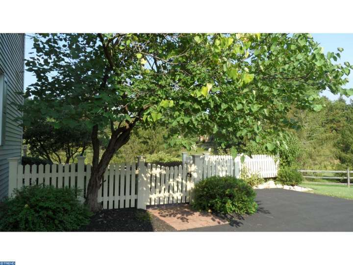 3540 Lakeview Cir, Doylestown, PA - USA (photo 2)