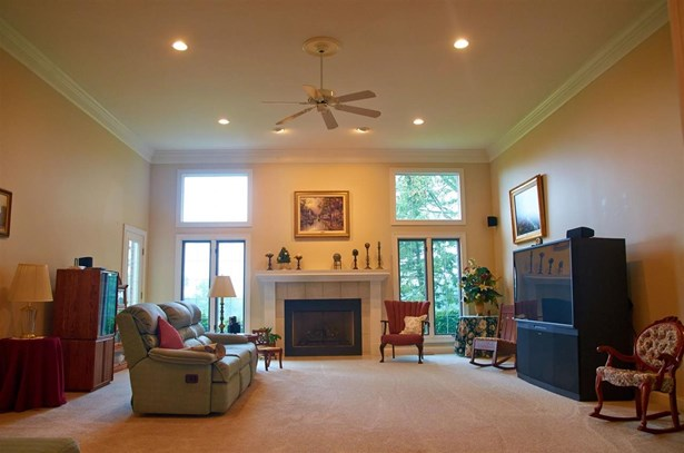 604 Heltonville  Road E, Bedford, IN - USA (photo 3)