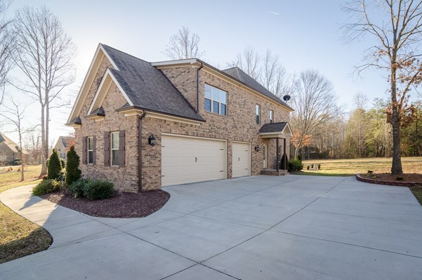 7505 Hearthridge Court, Oak Ridge, NC - USA (photo 2)