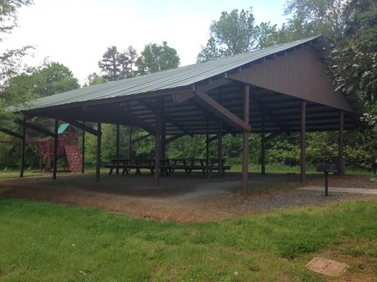 136 Nellwood Court, Mocksville, NC - USA (photo 2)