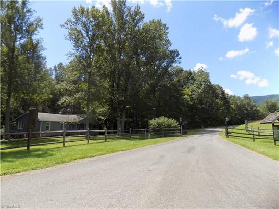 141 Mcintosh Drive, Lowgap, NC - USA (photo 3)