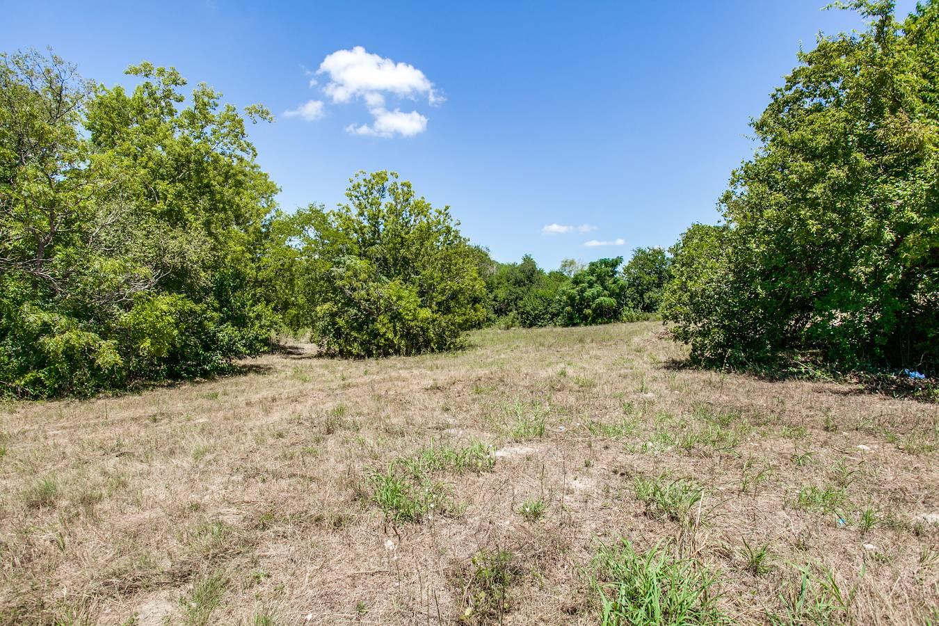 1725  Oakhill Rd , San Antonio, TX - USA (photo 2)