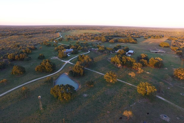 8720  Hwy 202 , Beeville, TX - USA (photo 2)
