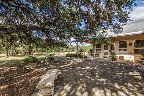 1829  Peaceful Valley Rd , Bandera, TX - USA (photo 2)