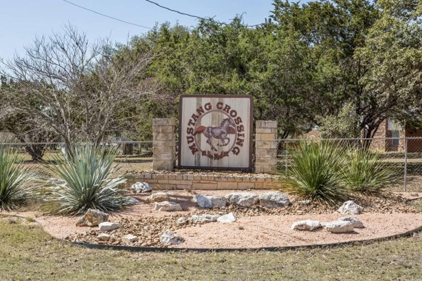 00   Fm 1283 , Pipe Creek, TX - USA (photo 1)