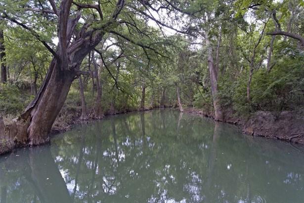0  Cr 271 , Rio Medina, TX - USA (photo 2)