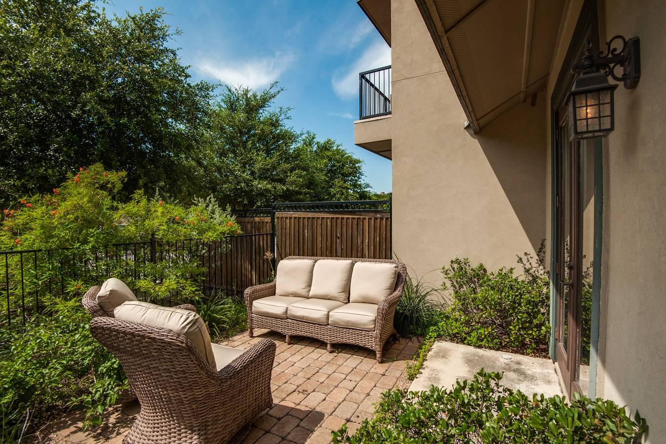 4173  Texas Elm , San Antonio, TX - USA (photo 3)