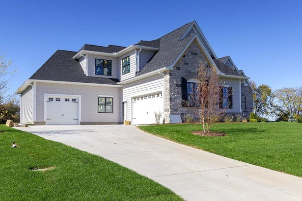 5052 Woody Creek Lane, Bettendorf, IA - USA (photo 2)