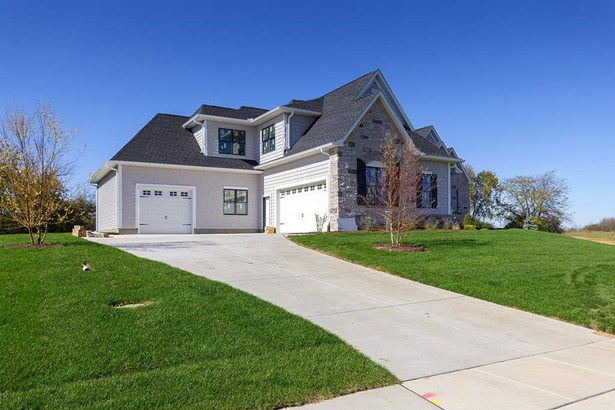 5052 Woody Creek Lane, Bettendorf, IA - USA (photo 3)
