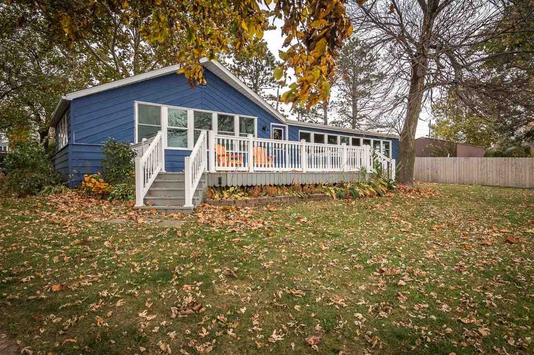 23581 Great River Road, Le Claire, IA - USA (photo 1)