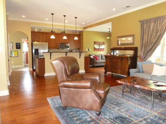Detached Single Family, Traditional,French - Oakland, TN (photo 5)