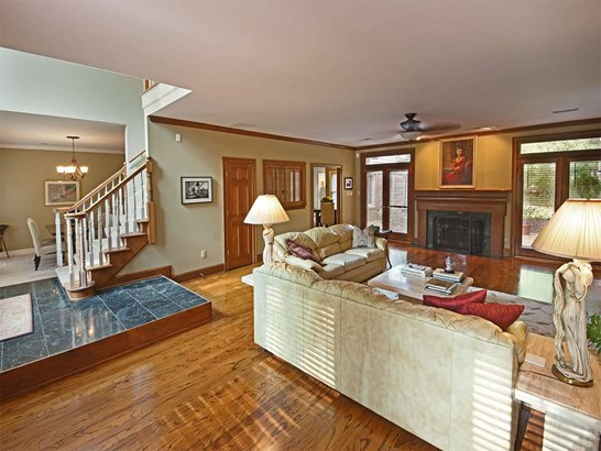 Detached Single Family, Traditional - Germantown, TN (photo 4)