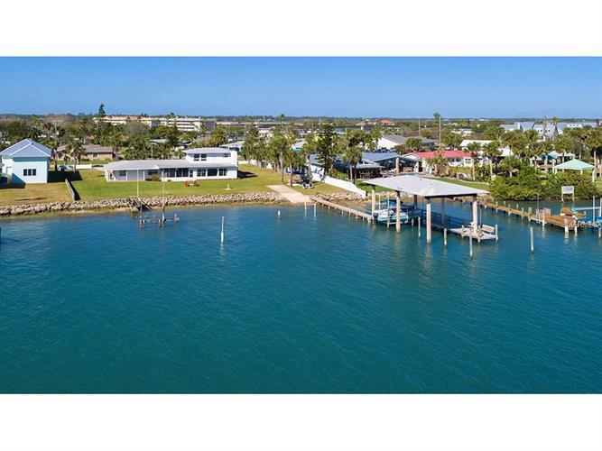 472 Desoto Dr, New Smyrna Beach, FL - USA (photo 3)