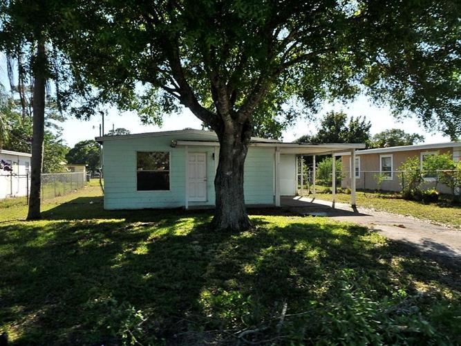 2905 Dunbar Street, Fort Pierce, FL - USA (photo 1)