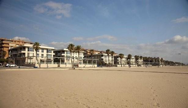 Playa De La Patacona, Alboraya - ESP (photo 1)