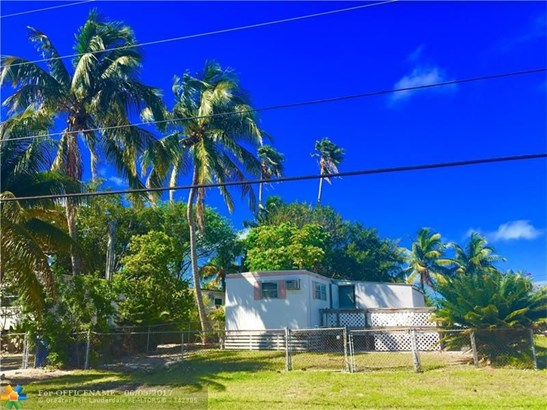 Single-Family Home - Other City Value - Out Of Area, FL (photo 1)
