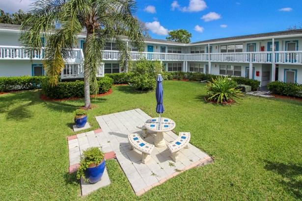 Condo/Townhouse - Deerfield Beach, FL (photo 3)