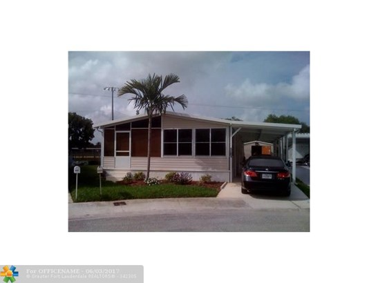 Single-Family Home - Dania, FL (photo 1)