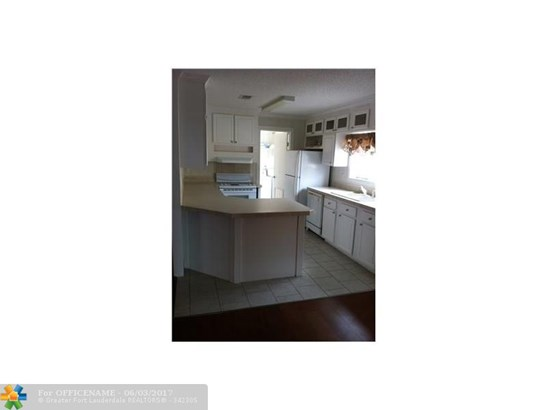 Single-Family Home - Dania, FL (photo 2)