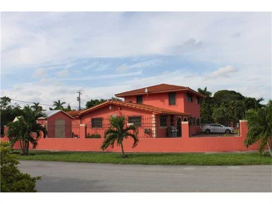 Single-Family Home - Hialeah, FL (photo 3)