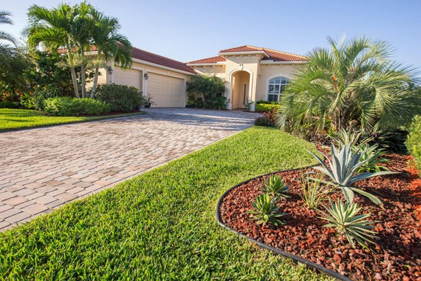 Single-Family Home - Stuart, FL (photo 1)