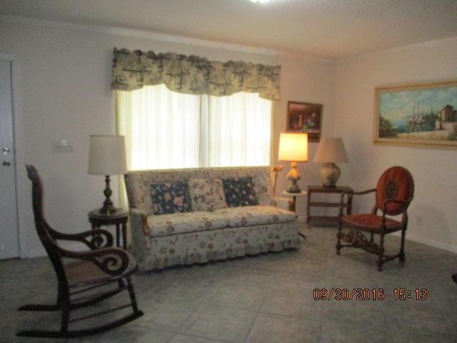 Single-Family Home - Riviera Beach, FL (photo 3)