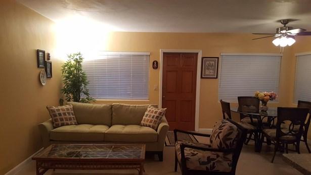 Condo/Townhouse - Lake Worth, FL (photo 1)