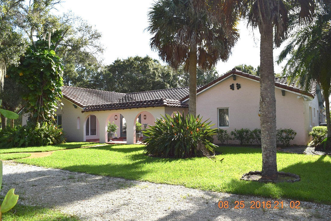 Single-Family Home - Fort Pierce, FL (photo 1)