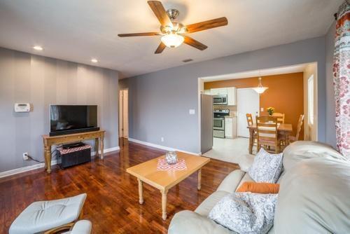 Single-Family Home - Lake Park, FL (photo 5)