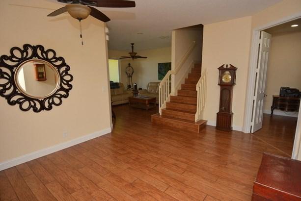 Condo/Townhouse - Fort Pierce, FL (photo 2)