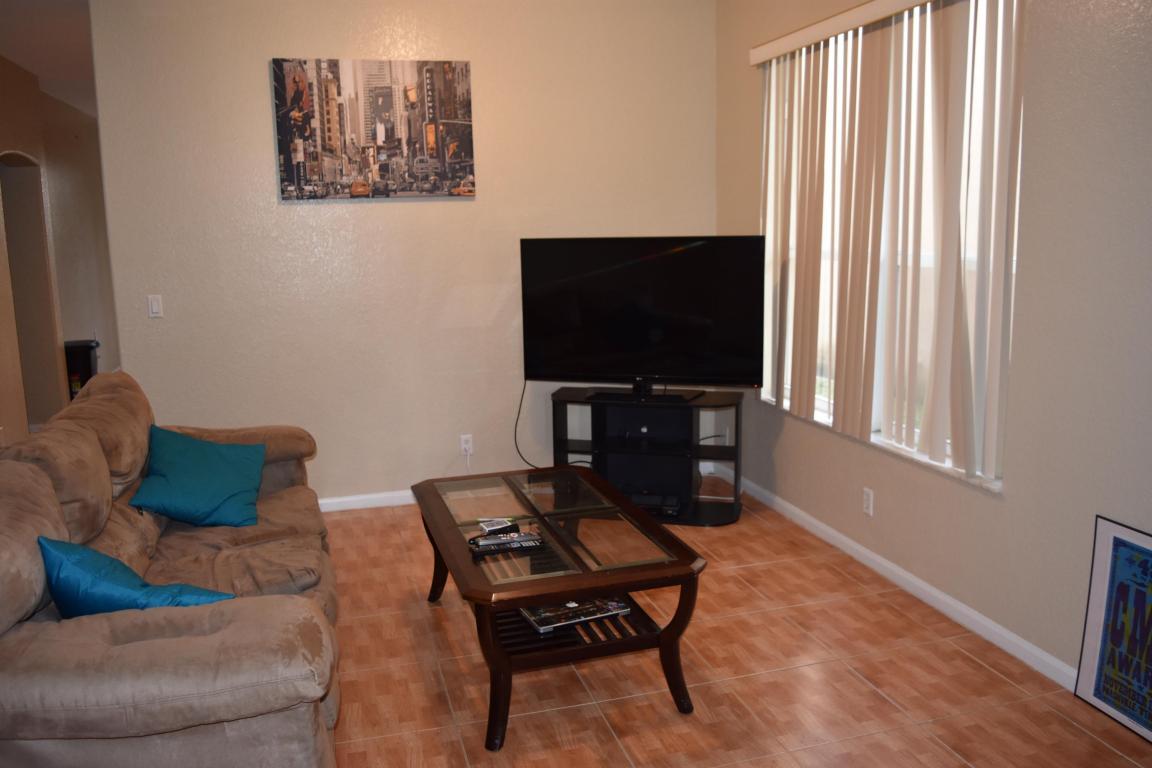 Rental - West Palm Beach, FL (photo 2)