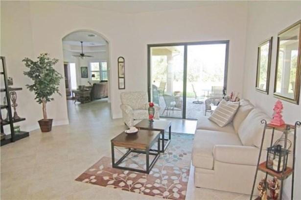 Single-Family Home - Jensen Beach, FL (photo 4)
