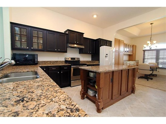 Single Family Home, Traditional - SUMMERFIELD, FL (photo 3)
