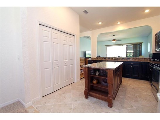 Single Family Home, Traditional - SUMMERFIELD, FL (photo 5)