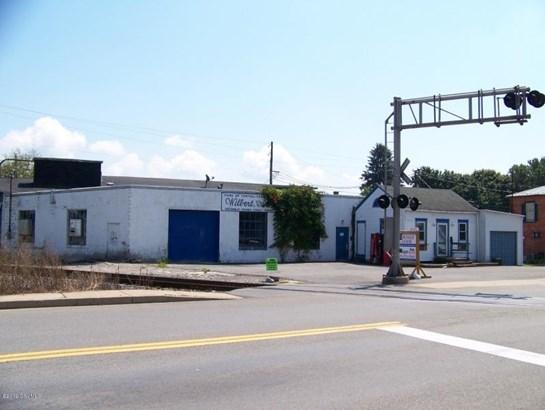 301 N Market St, Selinsgrove, PA - USA (photo 1)