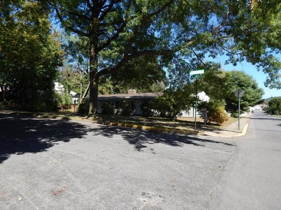301 Susquehanna Ave, Selinsgrove, PA - USA (photo 3)