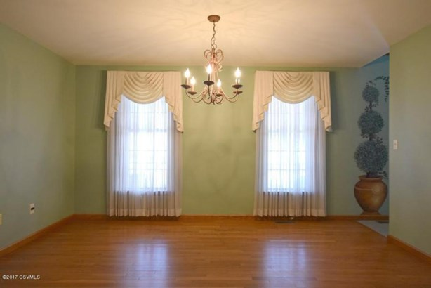 8 Steeplechase Dr, Bloomsburg, PA - USA (photo 2)