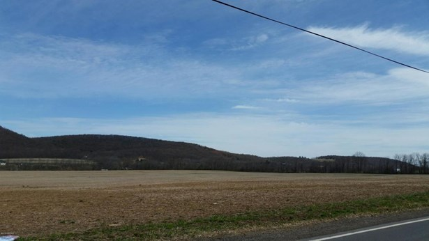Frosty Valley ******** Road, Bloomsburg, PA - USA (photo 1)
