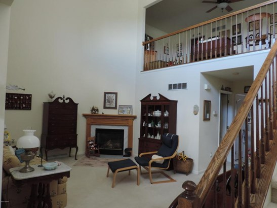 Living Room with Gas Fireplace (photo 2)