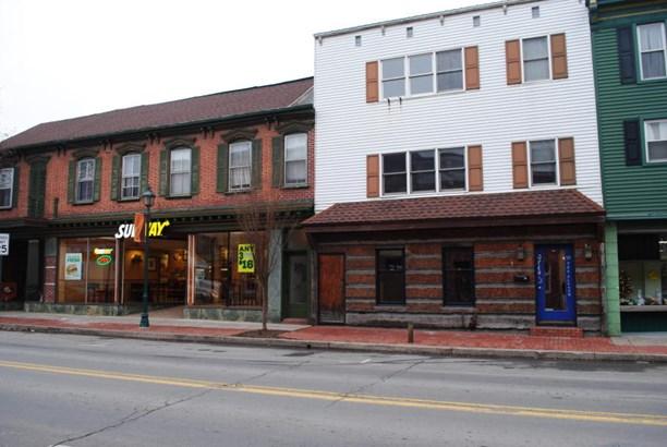 22 S Market St, Selinsgrove, PA - USA (photo 2)
