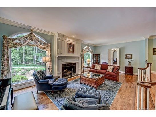 2 Story/Basement, Traditional - Charlotte, NC (photo 4)