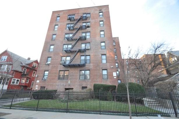 2287 Mott Ave 4e, Far Rockaway, NY - USA (photo 1)