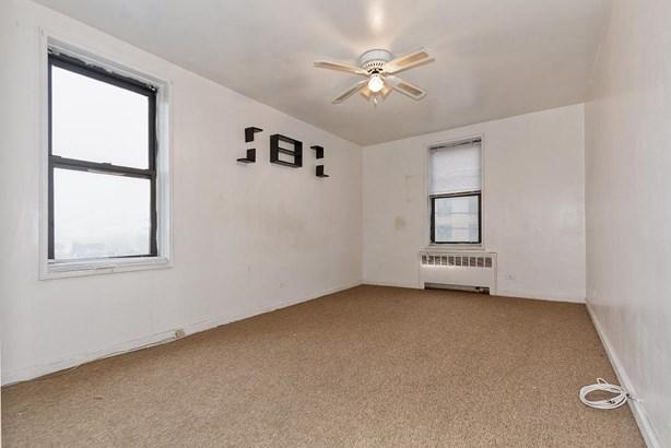 2287 Mott Ave 4e, Far Rockaway, NY - USA (photo 5)