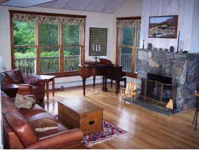 Contemporary,Multi-Level,Walkout Lower Level, Single Family - Littleton, NH (photo 3)