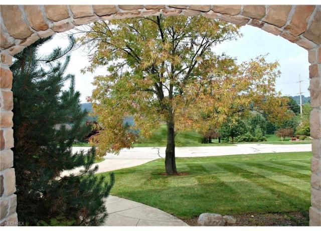 4700 Barnsleigh Dr, Akron, OH - USA (photo 2)
