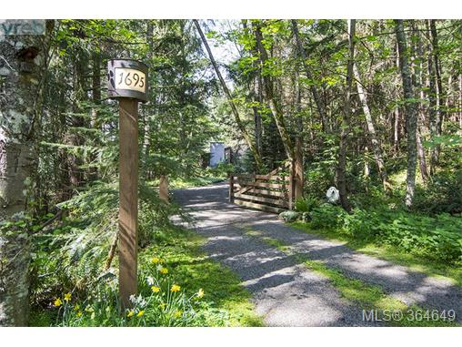 1695 Cottage Way, Galiano Island, BC - CAN (photo 1)