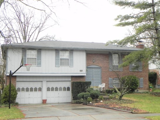 Single Family Residence, Traditional - Springdale, OH (photo 1)